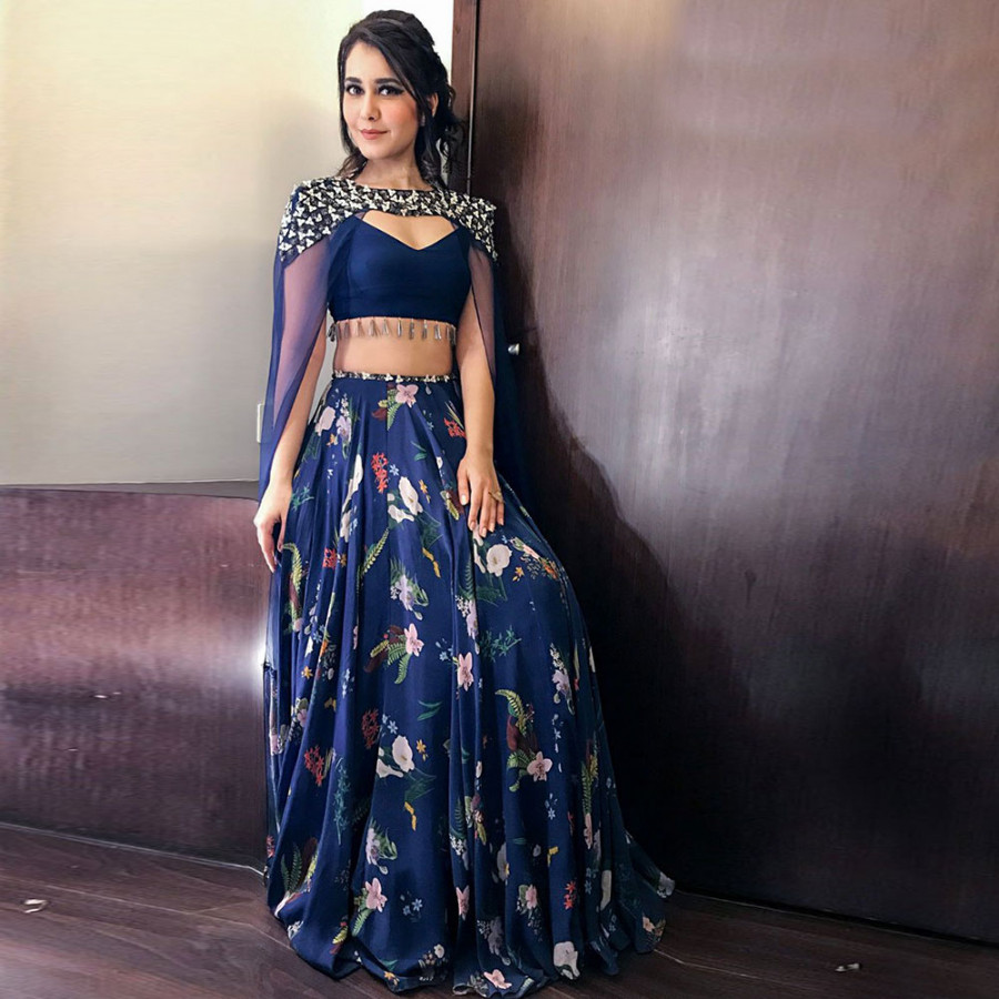 An Exclusive Range of Designer Lehengas at upto 70% Off