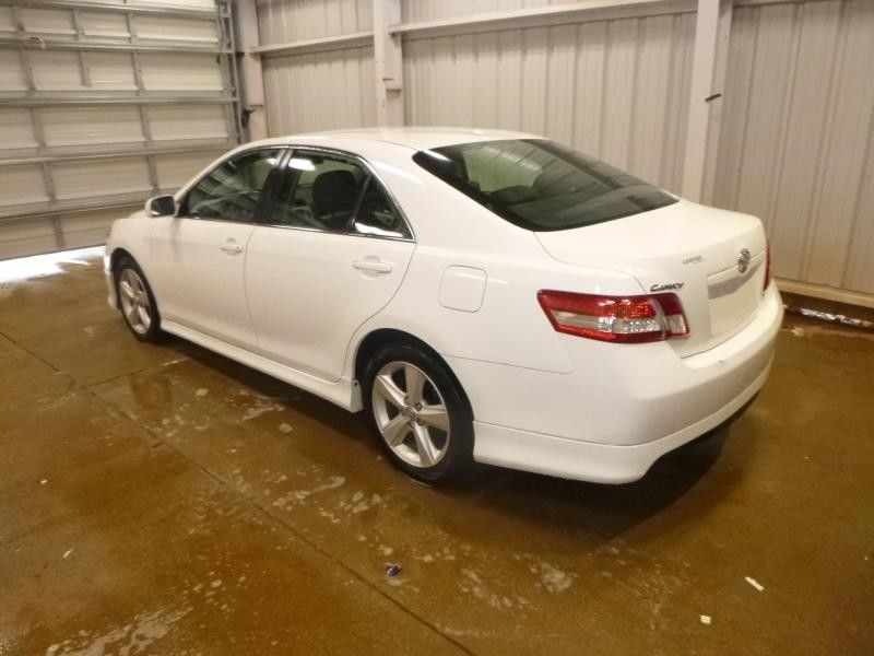 2011 TOYOTA CAMRY SE 6 0 SUPER WHITE CAR 6SPEED AUTOMATIC——$2500usd