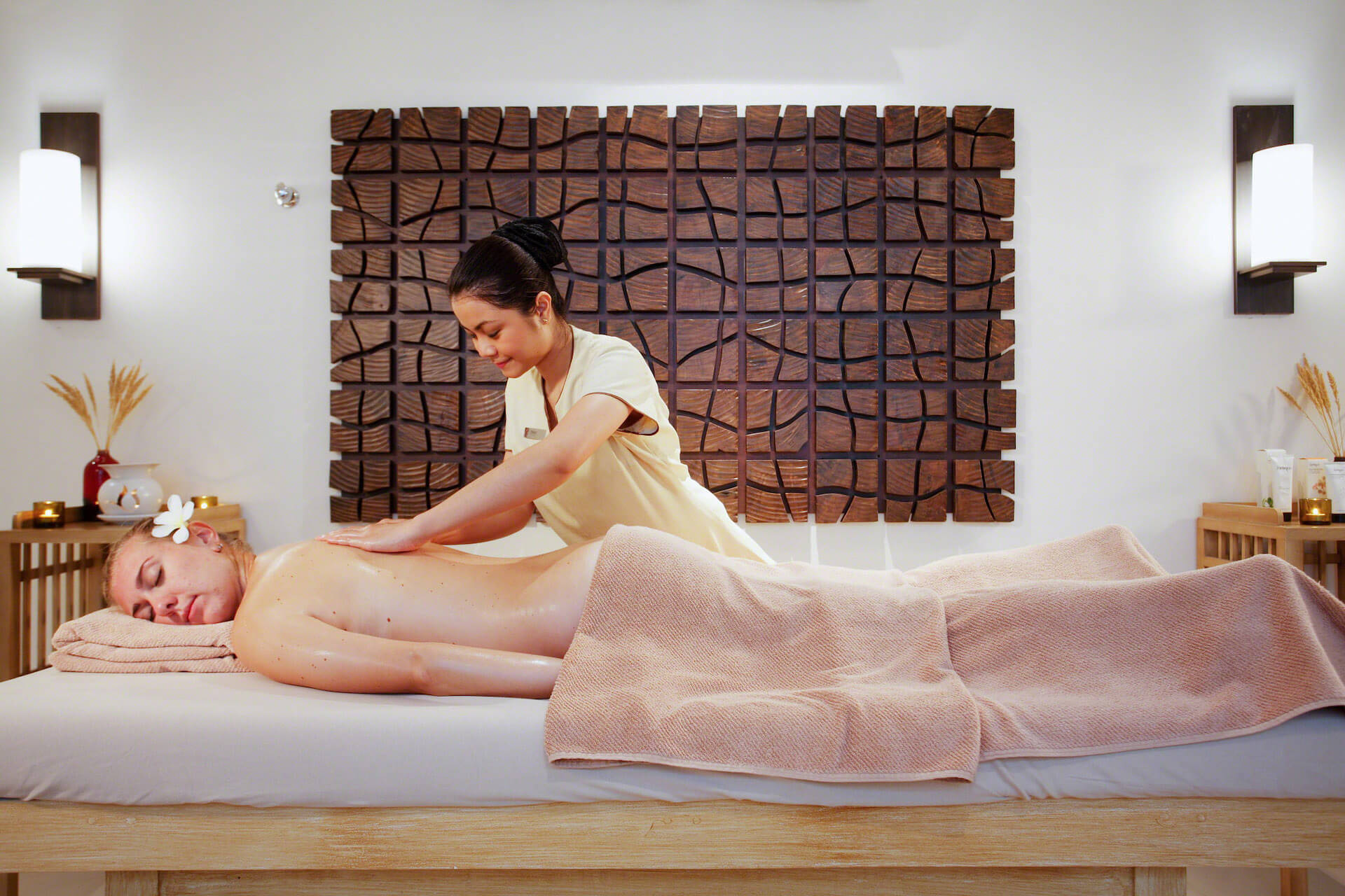 Body Massage in Thane With Extra Services 8530015227